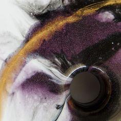 Schneidebretter mit Resin veredelt. Jedes Stück ein Unikat und jetzt im Shop erhältlich Shops, Wood Art, New Art, Abstract, Artwork, Diy, Creative Ideas, Gifts, Summary