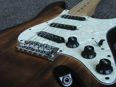 Fender Squier Affinity SSS Stratocaster + Fender Softcase and Guitar Strap Fender Squier Affinity, Fender Guitars, Bass, Flat, Lowes, Double Bass