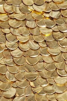 chameleon #gold scallops