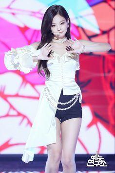 Indonesiwa: Sweety of Blackpink Kpop Girl Groups, Korean Girl Groups, Kpop Girls, Blackpink Jennie, Stage Outfits, Dance Outfits, Blackpink Fashion, Korean Fashion, Chinese Fashion