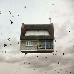 Surreal Flying Houses Travel Through the Sky - My Modern Metropolis