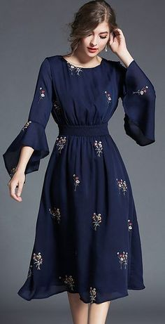 Fashion O-Neck Flare Sleeve Embroidery Skater Dress