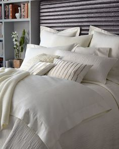 """""""Urban Oasis"""" Bed Linens by Donna Karan Home at Horchow. Home Decor Furniture, Home Decor Bedroom, Home Furnishings, Bedroom Furniture, Bedroom Ideas, Linen Bedroom, Linen Bedding, Bed Linens, Bedding Sets"""