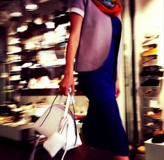 Bauletto bianco con pochette by Gianni Chiarini, per distinguerti! http://bit.ly/1BBfklQ #moda #ss2015 #raffinato #eleganza