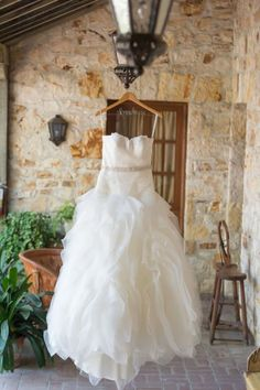 Tendance Robe De Mariée 2017/ 2018 : Handmade Travel Inspired Wedding at Holman Ranch: www.stylemepretty | Photogr
