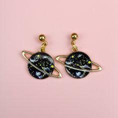 Funky Earrings, Funky Jewelry, Opal Earrings, Cute Jewelry, Cool Ear Piercings, Goth Accessories, Fashion Earrings, Making Ideas, Galaxy Outfit