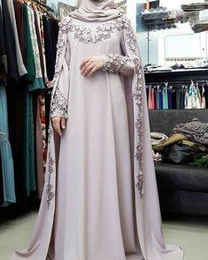 Wedding gown hijab style New ideas Wedding Abaya, Muslimah Wedding Dress, Muslim Wedding Dresses, Muslim Dress, Hijab Bride, Muslim Brides, Dress Wedding, Wedding Bride, Muslim Girls