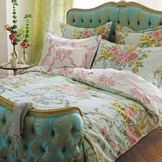 House of Turquoise: Elegant Turquoise Upholstered Beds Bedroom Turquoise, House Of Turquoise, Cama Vintage, Home Bedroom, Bedroom Decor, Shabby Bedroom, Bedroom Curtains, Master Bedroom, Summer Bedroom