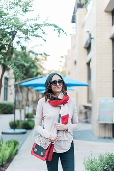Fall Look | Chic Fall Look | Cat Eye Sunglasses | Color-blocked Structured Bag