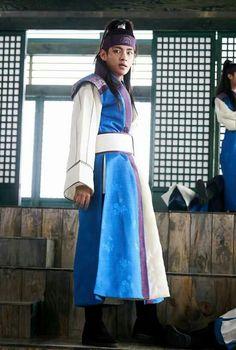 Taehyung on hwarang -the begging  Bts❤❤❤❤