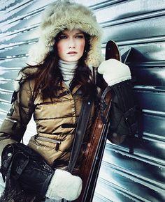Ski, style and fun. Snow Fashion, Winter Fashion, Mode Au Ski, Winter Wear, Winter Hats, Apres Ski Outfits, Ski Bunnies, Bunny, High Fashion