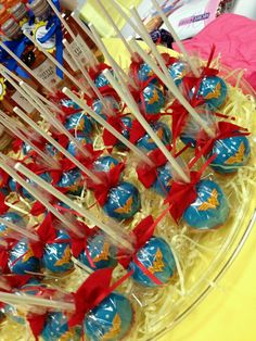 Wonder Woman Theme Party - Celebrat : Home of Celebration, Events to Celebrate, Wishes, Gifts ideas and more ! Wonder Woman Cake, Wonder Woman Birthday, Wonder Woman Party, Birthday Woman, Anniversaire Wonder Woman, Girl Superhero Party, 6th Birthday Parties, Birthday Ideas, Cake Birthday