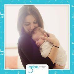 Bebeğiniz kendisini anne karnında hissetsin.  İlk aylarda bebeğinizin gaz sancısı çekmesi normal bir durumdur. Bebek sancı esnasında annesinin kollarında, sağa doğru yatırılarak sallanırsa kendisini ana rahminde hissedip rahatlayacaktır.