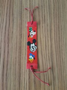 Mickey mouse daffy duck donald duck loom bead bracelet pattern Loom Bracelet Patterns, Bead Loom Bracelets, Bead Loom Patterns, Beaded Jewelry Patterns, Beading Patterns, Seed Bead Crafts, Seed Bead Projects, Seed Bead Jewelry, Daffy Duck