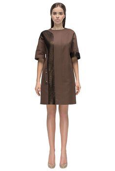 Платье с ассиметричной глянцевой вставкой от - LATTORI дизайнерские платья
