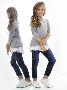 Quizás conozcáis la marca italiana Deha, estaban especializados en ropa deportiva. Por ejemplo yo tengo un conjunto para las clases de yoga y pilates...