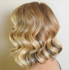 Find out what is a long bob, discover cutest long bob haircuts from top stylists and reveal little secrets how to style this cut for best results. Lob haircut is a great fit for all face shapes, hair textures and personalities! Bob Haircut Curly, Line Bob Haircut, Lob Haircut, Stacked Haircuts, Corte Bob, Glamorous Hair, Medium Bob Hairstyles, Prom Hairstyles, Hair Trends