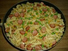 Sausage noodle pan - recipe with picture- Würstchen-Nudelpfanne – Rezept mit Bild The perfect sausage and pasta pan recipe with a picture and simple step-by-step instructions: cook the pasta in salted water for 10 minutes. Crock Pot Recipes, Pasta Recipes, Chicken Recipes, Dinner Recipes, Recipe Pasta, Hamburger Meat Recipes, Sausage Recipes, Pasta Dishes, Food Dishes