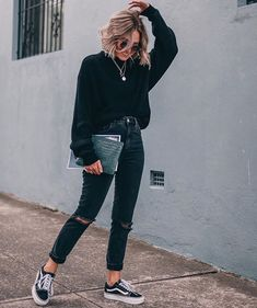 50 Perfect Fall Outfits to Copy Right Now Vol. 2 / 24 Fall outfits ideas to winter fashion 2019 50 Perfect Fall Outfits to Copy Right Now Vol. 2 / 24 Fall outfits ideas to winter fashion 2019 Fashion Blogger Style, Fashion Mode, Look Fashion, Winter Fashion, Womens Fashion, Fashion Trends, Fashion 2017, Latest Fashion, Vans Fashion