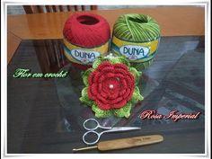 Na vídeo aula de hoje vocês vão aprender comigo à executar essa linda flor em crochê chamada Rosa Imperial
