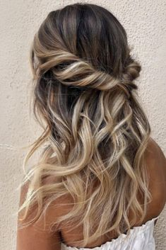 37 beautiful half up half down hairstyles_twisted hair 10 - Coiffure Sites Hairstyle Bridesmaid, Bridesmaid Hair Half Up Braid, Simple Bridesmaid Hair, Hair Up Styles, Hair Styles For Formal, Corte Y Color, Pinterest Hair, Braids For Long Hair, Half Up Curly Hair