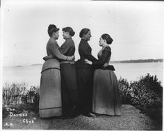 """The Darned Club - Alice Austen October """"The Darned Club,"""" named by disrespectful Staten Island men, strikes a pose of girlish friendship on the Austen House's lawn overlooking the Narrows. Alice (left) and her three friends Vintage Lesbian, Lesbian Love, Lesbian Art, Lesbian Couples, Lgbt History, History Books, Alice, Pride Day, Sex And Love"""