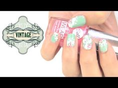 Diseño de uñas estilo vintage. Vintage nail art style.