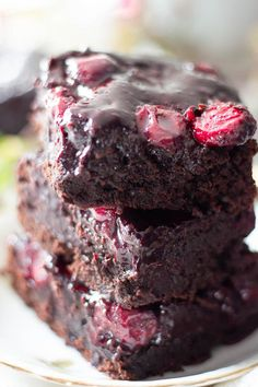 Brandy Cherry Brownies with Cocoa Powder are a decadent chocolate treat for adults that combines dessert and post-dinner drinks! Super simple and easy - ideal for the holidays. No nuts, no chocolate! Super fudgy and chocolatey! You will never use a brownies mix again #brownies #easyrecipes #easyrecipes #chocolatedessert Chocolate Bomb, Decadent Chocolate, Chocolate Treats, Cherry Brownies, Fudge Brownies, Fun Desserts, Dessert Recipes, Cocoa Powder Brownies, Rhubarb Cake
