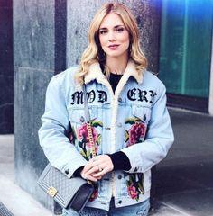 94a31e50223 Spott - Chiara Ferragni wears a blue embroidered denim jacket by Gucci