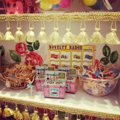 名古屋パルコ ヴィンテージDeco 昭和レトロキッチン Plastic Ballerina cupcake toppers, toy kitchen oven & stove, kitsch