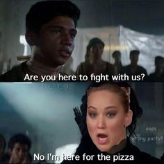 If Jennifer was in the hunger games ♡ The Hunger Games, Hunger Games Humor, Hunger Games Fandom, Hunger Games Catching Fire, Hunger Games Trilogy, Katniss And Peeta, Katniss Everdeen, Haha, I Volunteer As Tribute