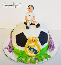 Tarta: Balón de Futbol Madridista - Fondant