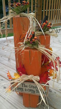 Fall Decor Fall Decor Source by Harvest Decorations, Thanksgiving Decorations, Halloween Decorations, Fall Crafts, Holiday Crafts, Holiday Decor, Fall Halloween, Halloween Crafts, Wooden Pumpkins