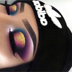 colors makeup nice this eye on Nice colors on this eye makeupYou can find Extreme makeup and more on our website Makeup Eye Looks, Beautiful Eye Makeup, Eye Makeup Art, Natural Eye Makeup, Beauty Makeup, Eye Makeup Cut Crease, Smokey Eye Makeup, Eyeshadow Makeup, Makeup Brushes