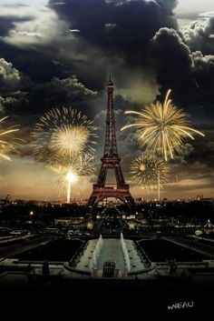 Want to be in Paris for a New Year celebration & watch the fireworks through the Eiffel Tower :0)
