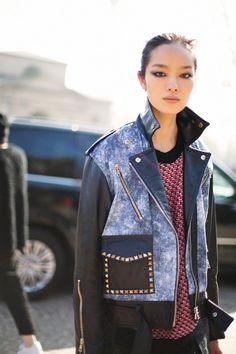 "badside-goodside: ""Fei Fei Sun street style in MFW "" Pop Fashion, World Of Fashion, Fashion Models, Fashion Beauty, Milan Fashion, Hip Pop, Chanel, Chinese Model, Spring Summer Fashion"