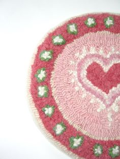 Rug Hooked Mat Pink Heart Wall Hanging Motheru0027s Day Primitive Chair Pad  Tabletop Centerpiece