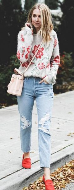 fashion trends / floral sweater   bag   rips   red shoes