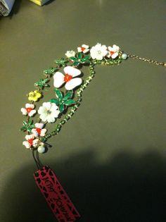 Betsey Johnson pink flowers and leaves bracelet hip trendy funky boho chic!