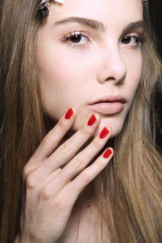 Manicure: trendy wiosna-lato 2014, Roberto Musso, fot. Imaxtree