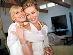 Portia de Rossi & Ellen Degeneres wedding pics. Great couple