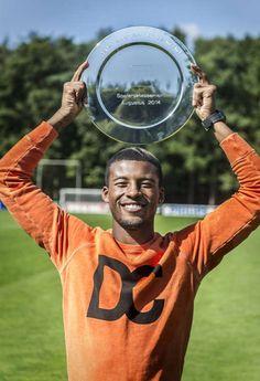 Georginio Wijnaldum wint de schaal voor de beste speler van de maand in de Eredivisie. Augustus 2014.