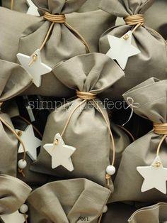 Μπομπονιερες Βαπτισης — Simply perfect Gift Wrapping, Gaia, Gifts, Ideas, Bag Packaging, First Holy Communion, Paper Wrapping, Presents, Wrapping Gifts