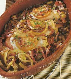 Filetes de Pescada no Forno com Bacon - http://www.receitassimples.pt/filetes-de-pescada-no-forno-com-bacon/