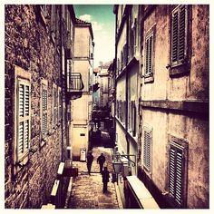 Stari grad Budva / Old Town Budva Stari Grad, Montenegro, Old Town, Madness, Architecture, City, Beautiful, Old City, Arquitetura