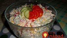 Sviatočný šalát s extra šťavnatým kuracím mäskom, zeleninou a lahodnou smotanovo-horčicovou zálievkou! Healthy Food Options, Healthy Recipes, Cold Dishes, Fitness Diet, Guacamole, Salad Recipes, Bacon, Salads, Food And Drink
