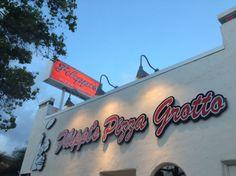 THE BEST Italian restaurant in San Diego!!! Filippi's Pizza Grotto Review - San Diego   via Tsiporah Blog