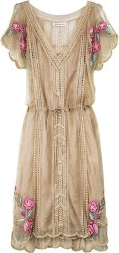 I will be so adorable this summer in this dress with my snow boots....because I don't think the snow storms will ever leave. So far a Bob Marley and Jimmy Buffet have no Not been successful in chasing them away!!! :(