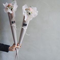 #피아노장미 와#호아니#미니다발 💕 . . . . . #flowershop#꽃#fleur#플라워클래스#꽃그램#부산꽃집#florist#센텀꽃집#광안리#해운대꽃집#예쁜꽃집#꽃다발#flowerdesign#handtied#꽃선물#부산플라워레슨#센텀#플로리스트#fleurette#플루에뜨#lovely#bouquet#웨딩#플라워샵#부케#광안리꽃집#웨딩부케