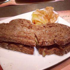 Sándwich de portobello y queso